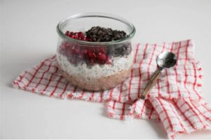 Overnight Oats Recipe With Pomegranate & Chocolate