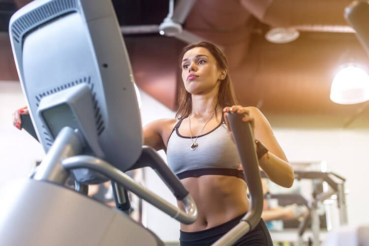 lady in treadmill
