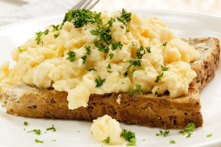 scrambled-eggs-highprotein-e1523443977133.jpg