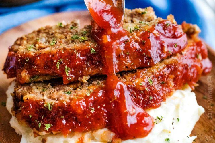 Easy-Crockpot-Meatloaf-Recipe-drizzle-1-e1584358942825.jpg